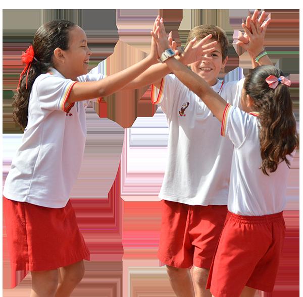 Alumnos jugando en Colegio Lowry School Cancún